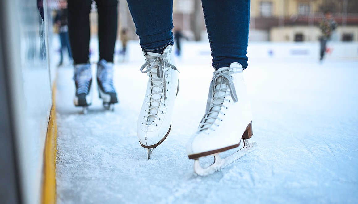 2019 Holiday Outdoor Ice Rink